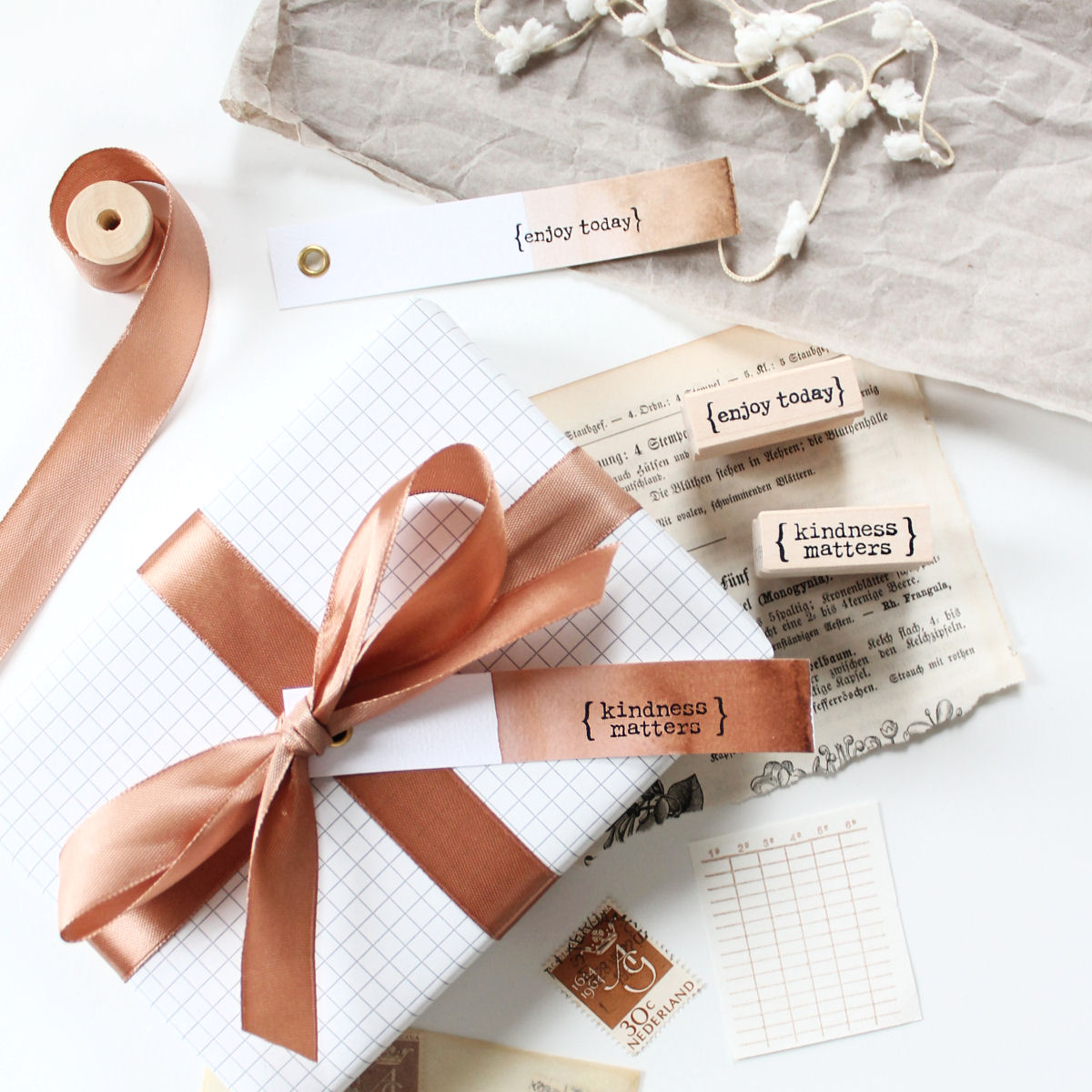 Zo maak je gift tags met Ecoline en stempels